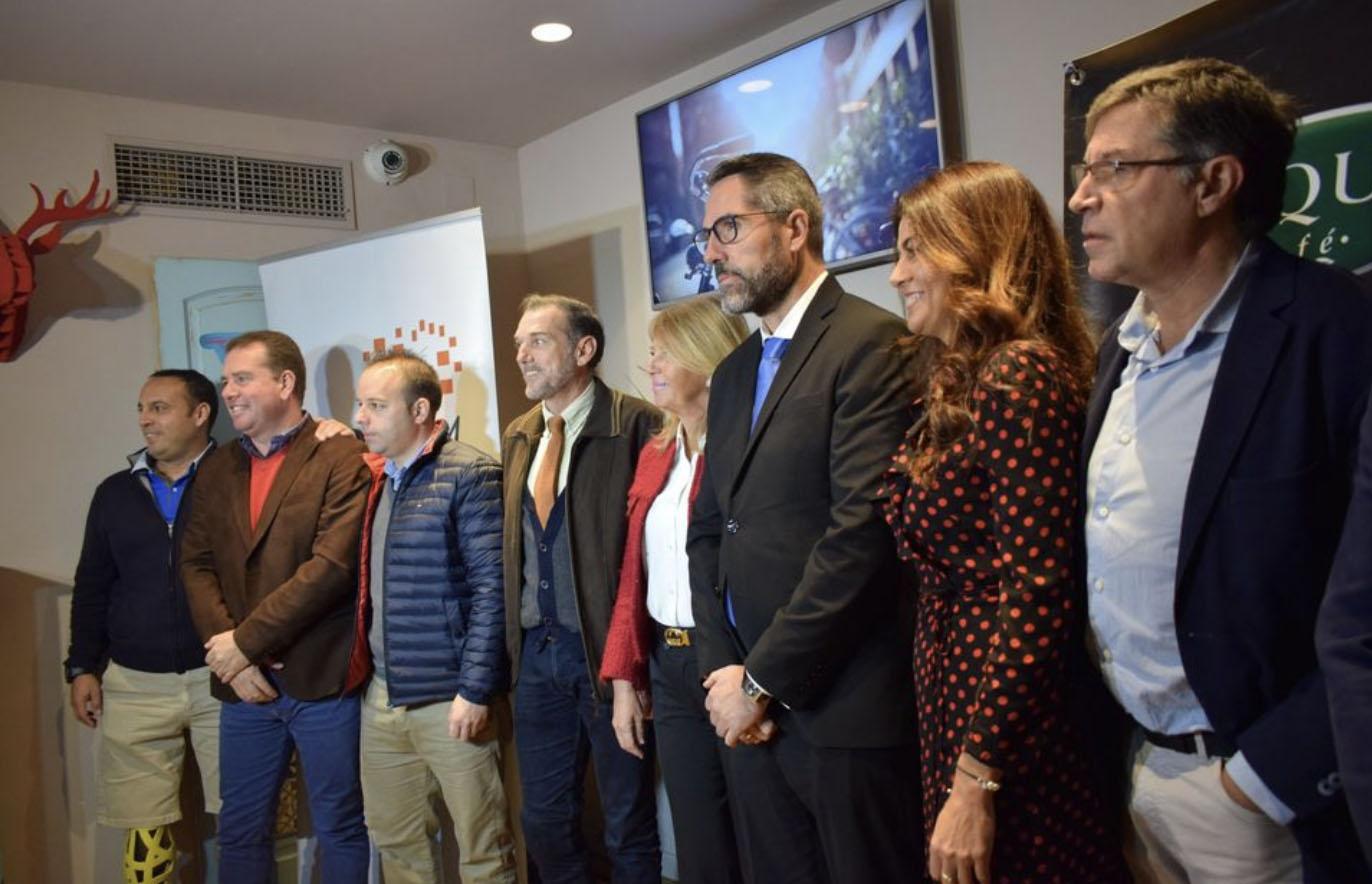 Los alcaldes de Marbella, Mijas Y Benahavis y el seleccionador nacional de baloncesto entregan los carné de periodista deportivo